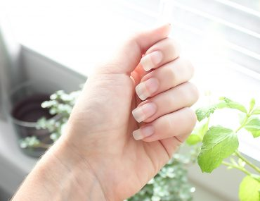 Prendre soin de ses ongles au naturel